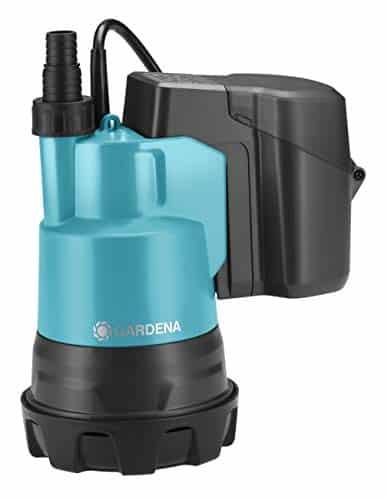 Gardena Klarwasser-Tauchpumpe 2000/2 Li-18 ohne Akku: Flachsaugende Akku-Tauchpumpe; integrierter Filter, Fördermenge 2000 l/h (1748-66)